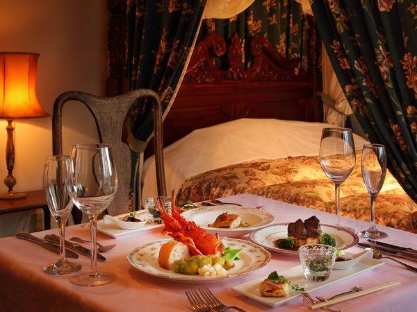 ディナーの部屋食イメージ