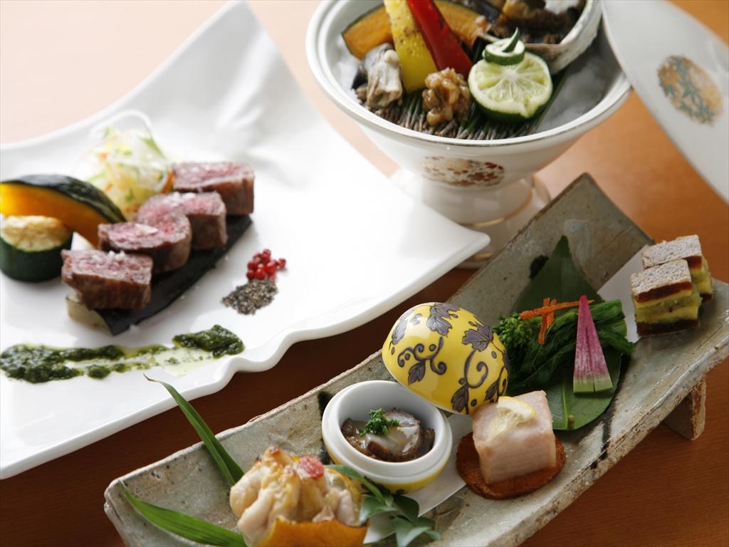 旬の味覚を盛り込んだ和食会席をお愉しみください(写真はイメージです)。