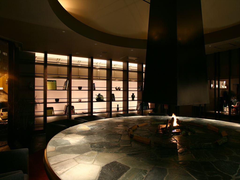 茶房&ギャラリー「古窓」