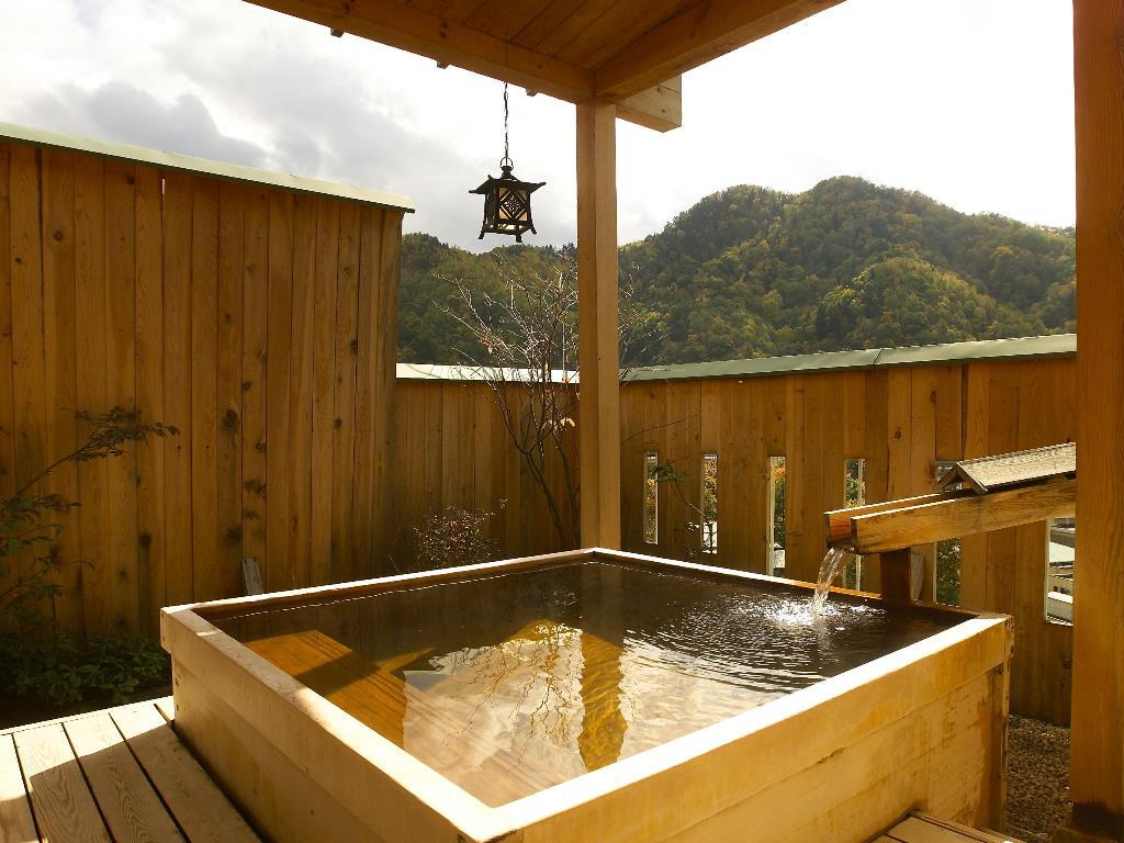 貸切風呂で水入らずの湯浴みをお愉しみください。
