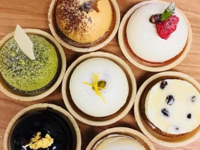 パリッ、ふわっ。「坂ノ上の最中」の彩り豊かな「MONAKA」は見た目も食感も新感覚です。