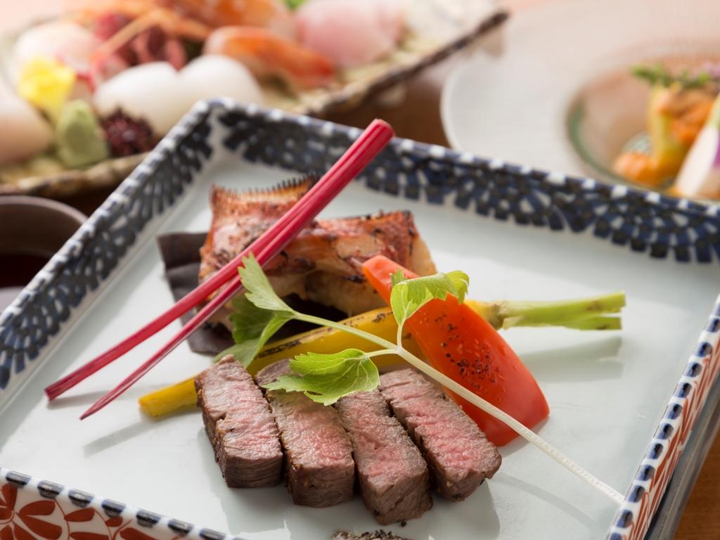 和食会席一例。素材はもとより、盛り付けや器選びにも気を配ります。