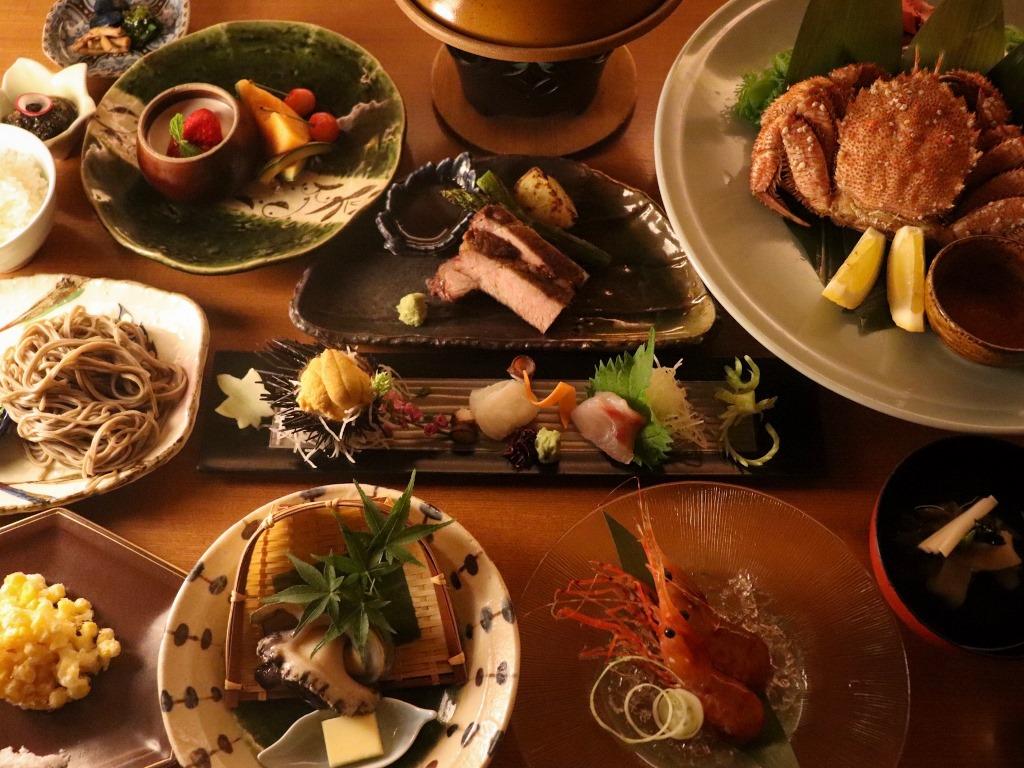 「活尽くしコース」は食前酒から甘味までの全10品(漁の状況などにより変更の場合もございます)。