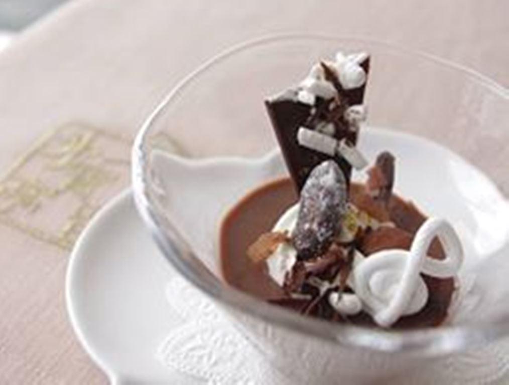 昨年のパティシエ特製スイーツは、見た目もキュートなチョコレートプリン♪