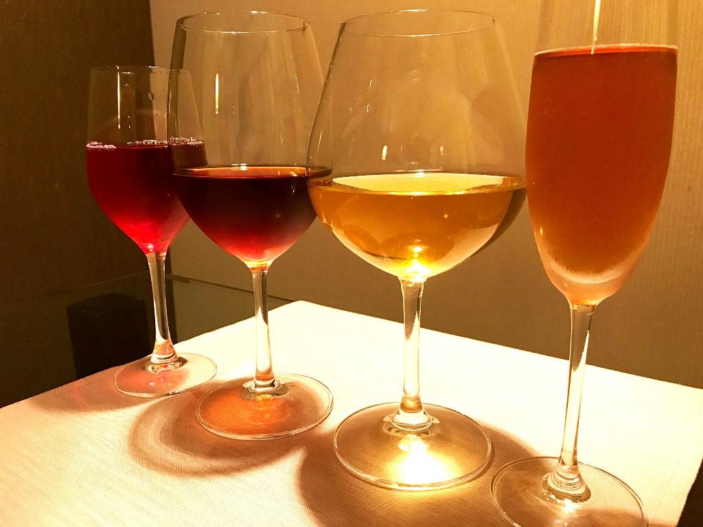 女性に嬉しい効能も期待できる4種の中国茶を、薬膳料理とともにお愉しみくださいませ。