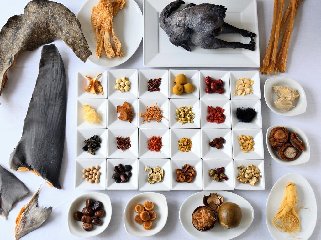 気血水のバランスを保ち、健やかな美しさを育む様々な漢方食材を厳選。