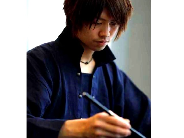 書家 長谷川 悠貴氏による書道レッスンで、いつもとは違う旅の時間を。