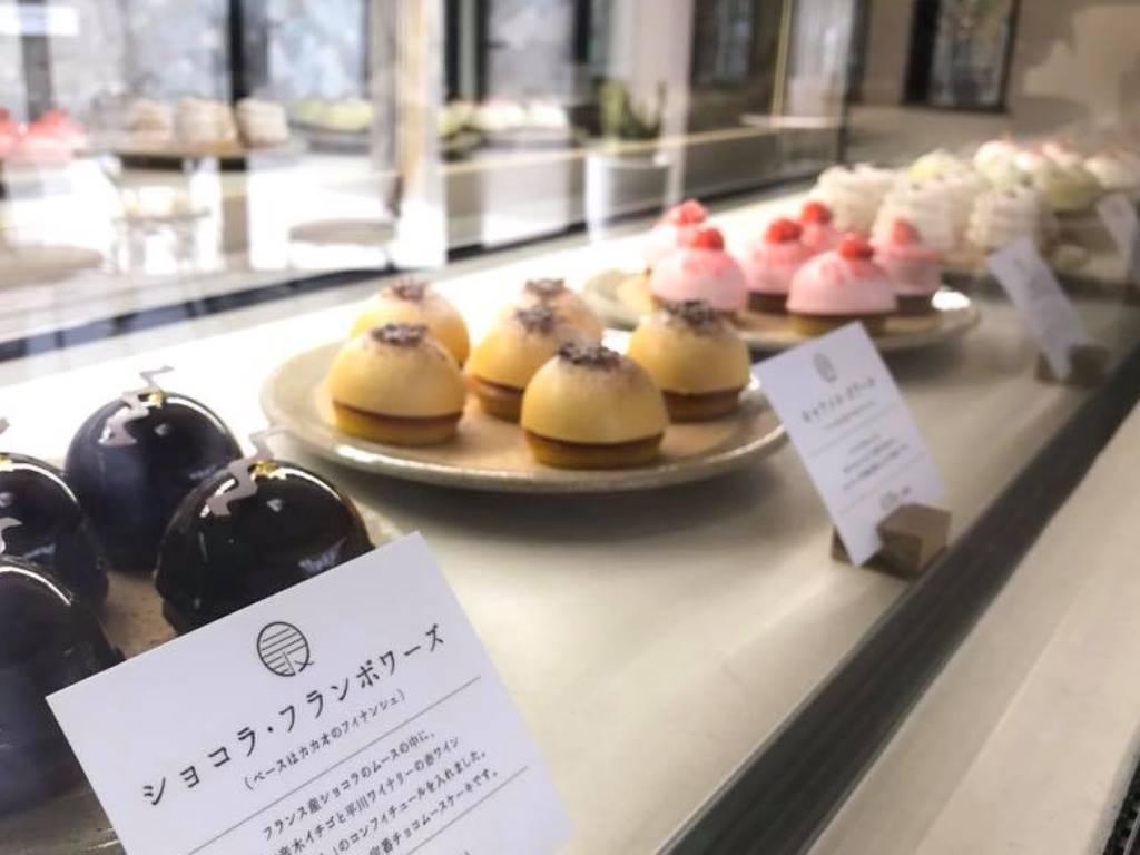 可愛い「MONAKA」が並ぶ菓子工房「坂ノ上の最中」。