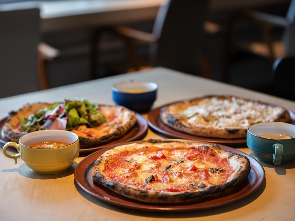 「雨ノ日と雪ノ日」でピザとスープ、ジェラートのブランチをどうぞ(写真はイメージです)。