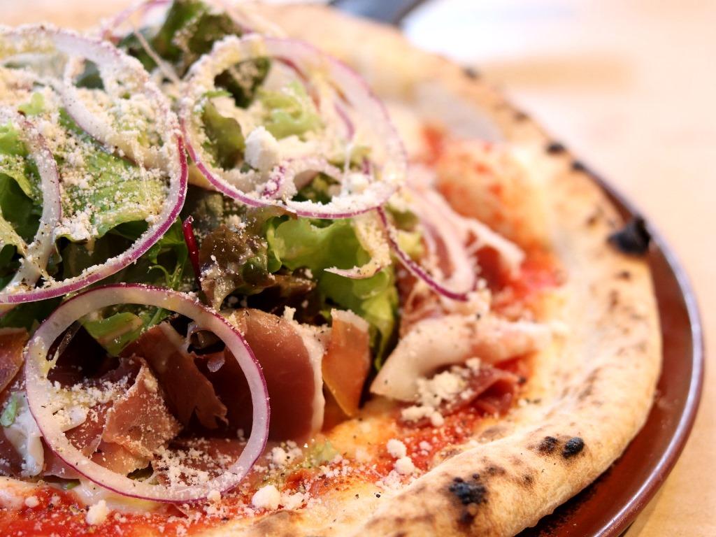 ブランチは「雨雪」で。ピザに加え、スープとジェラートもどうぞ(写真はイメージです)。