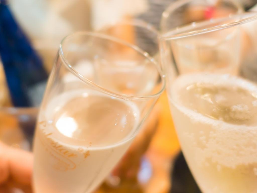 お部屋でも!夕食会場でも!選んで愉しいお酒付♪大人女子会プラン(写真はイメージです)。