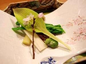 自家菜園の野菜なども使用し、素材の旨味、香り、食感を大切に調理いたします(写真はイメージです)。