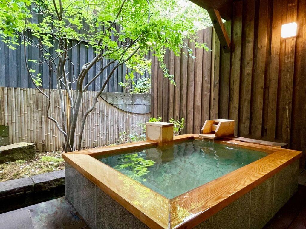 定山渓の緑と源泉の香りに包まれ、清々しい湯浴みをお愉しみくださいませ。