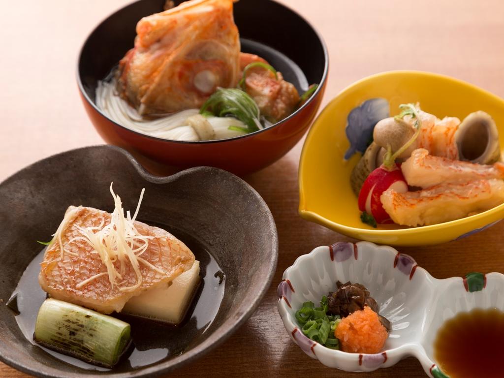 「根室産キンキ」を使用した旬一皿。煮つけや蒸し物など三種の味わい方でお愉しみいただきます。