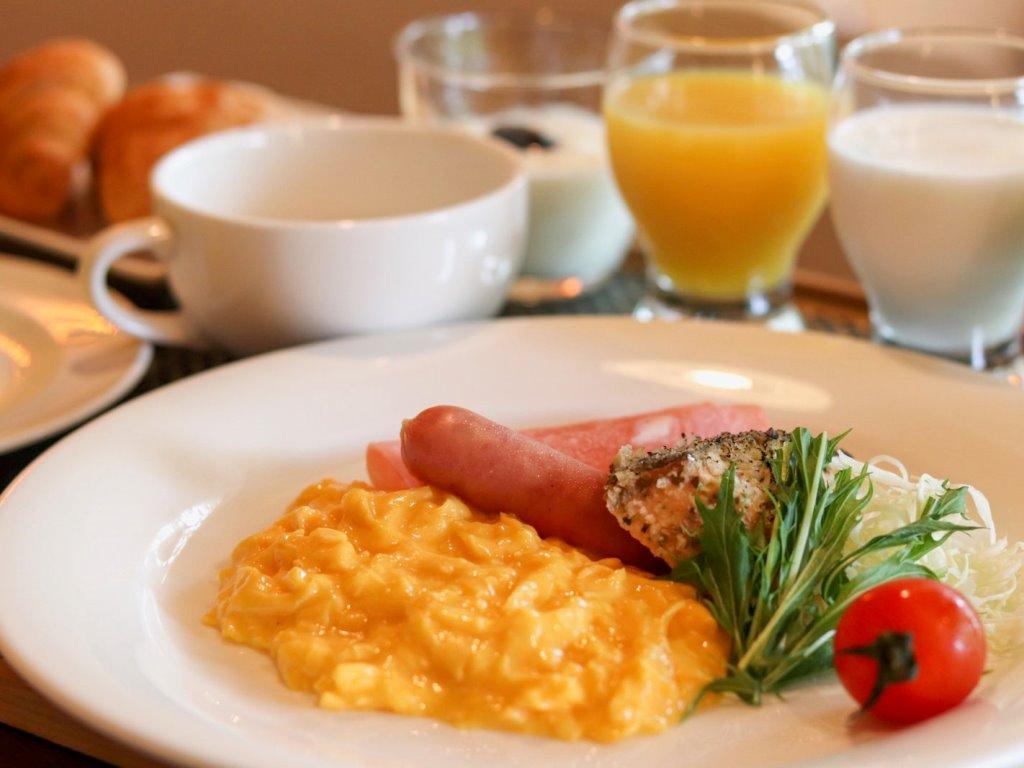 ご朝食一例/卵料理やお野菜、ドリンクなども