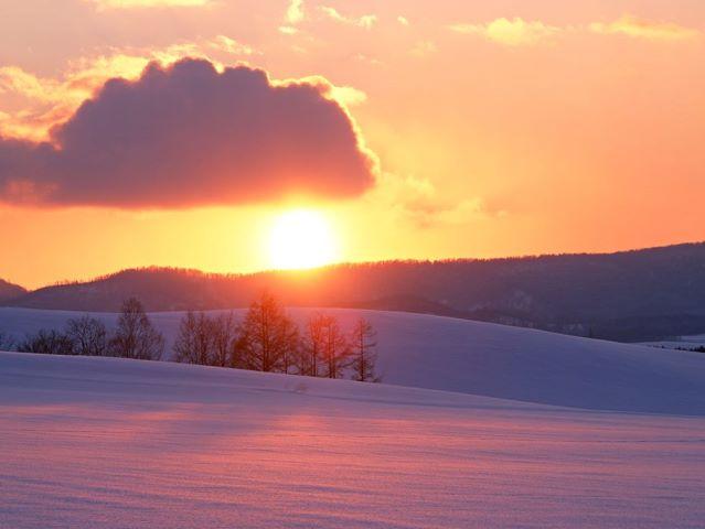 朝の時間をゆっくりと愉しむ旅に。四季折々の景観に魅せられます(写真は冬の景観)。