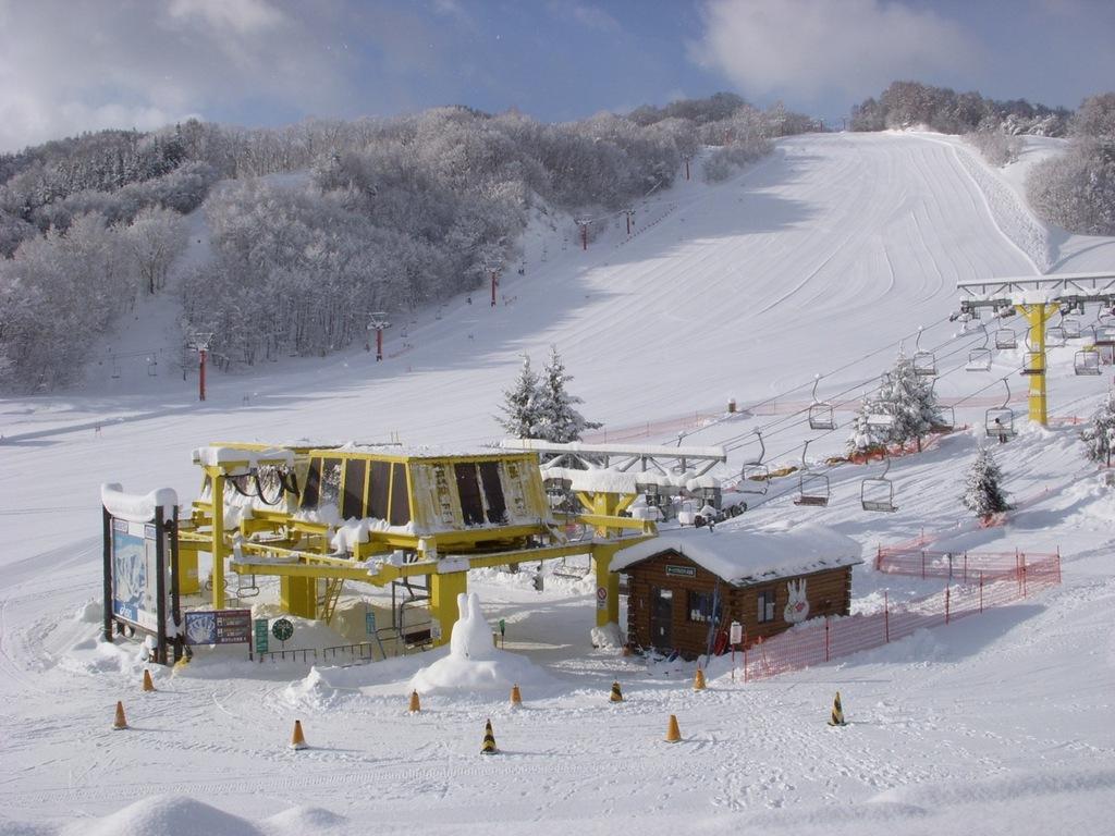 スキーヤー専用スキー場で安心安全