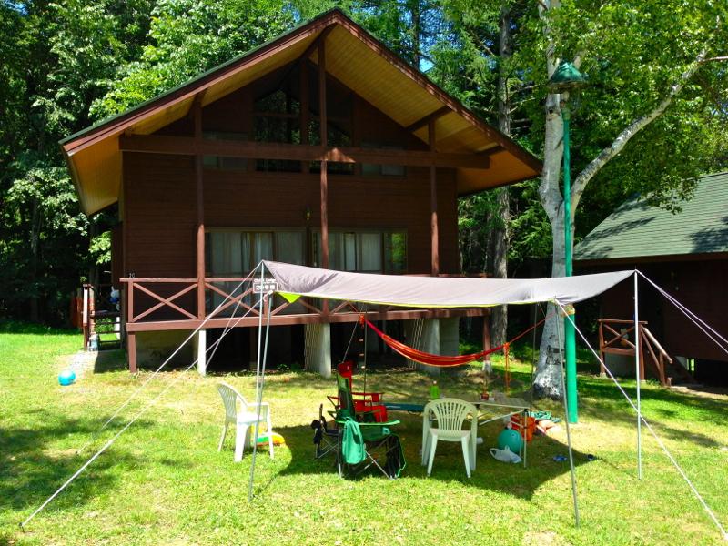 テントやタープを張ってアウトドアを楽しみのもおすすめ。