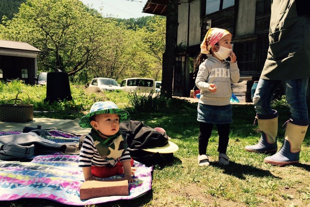 iikarakanさんの敷地内にて味噌作り