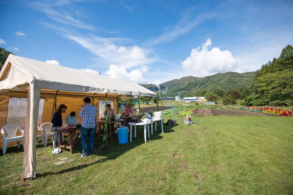 農園内にある芝生のスペースで様々なイベントを行います。