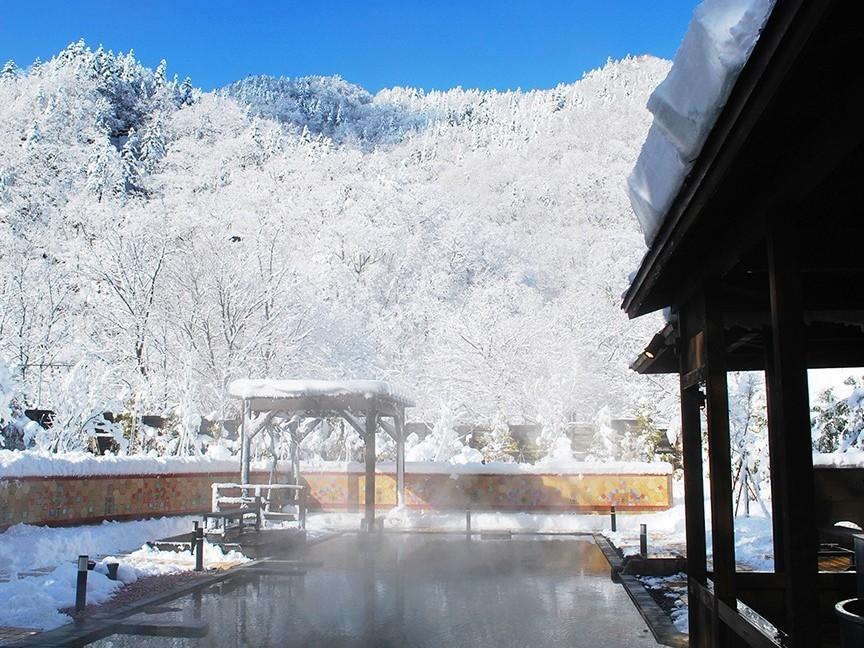 【希みの湯】大露天風呂〜冬の雪見露天風呂風景