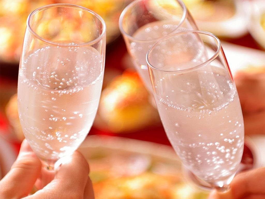 大切な記念日をワインで乾杯してください