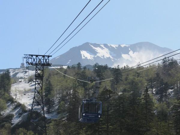 春の旭岳ロープウェイ