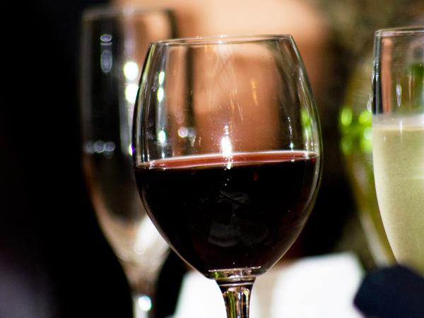 ワインで乾杯♪大切な記念日のお祝にぴったり