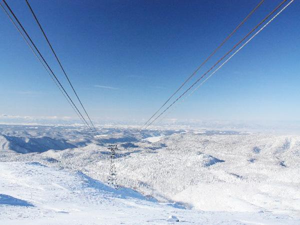旭岳ロープウェイ車窓から望む冬の景観