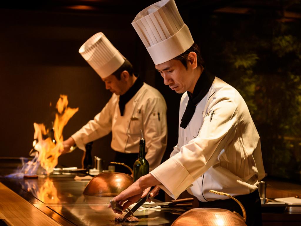 <ご夕食>鉄板焼コース/日本料理の技と大胆な焼き。