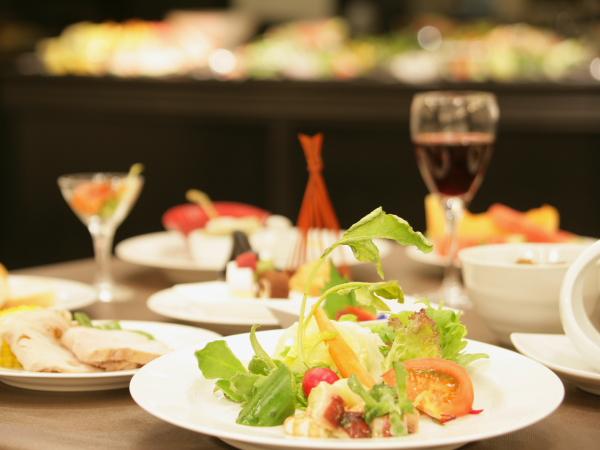 創作料理をテーマに味・質の良い料理をご用意しております。