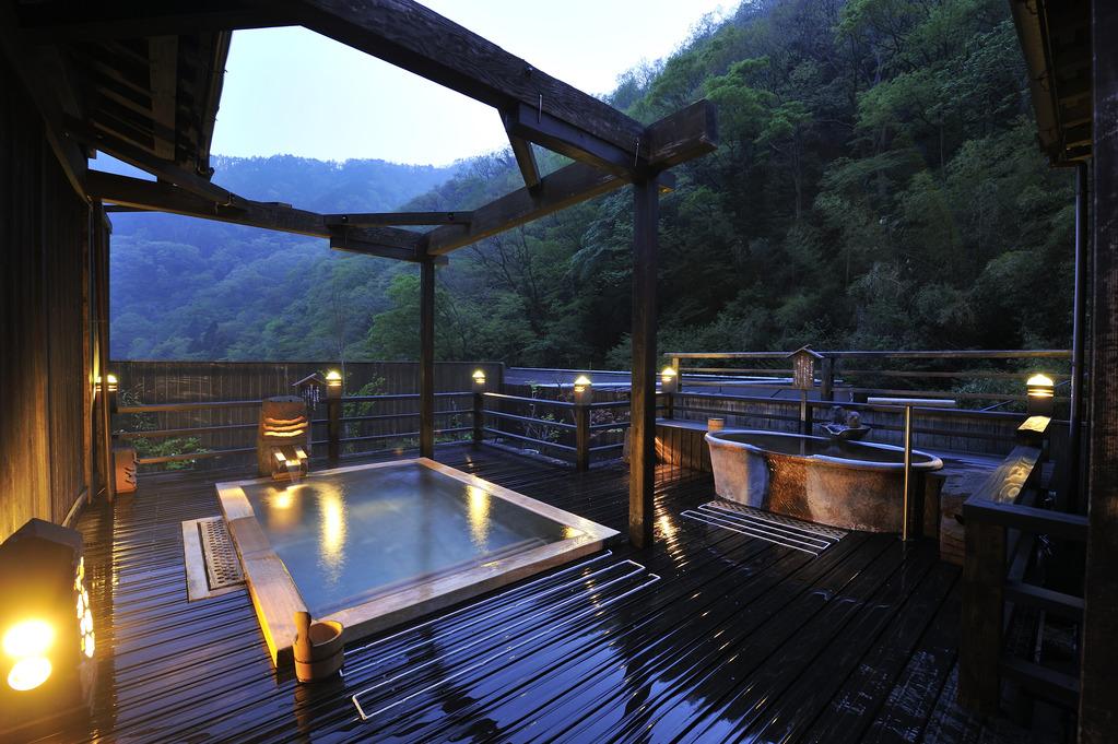 屋上露天 空の湯