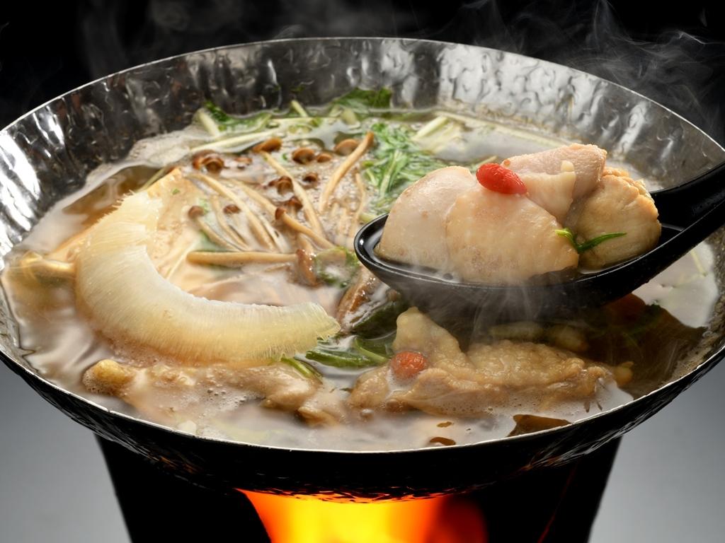 会津地鶏の薬膳鍋