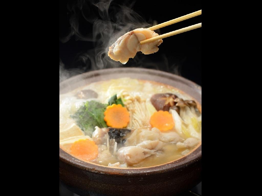 【冬鍋】ふぐの上品な味わいを冬野菜と一緒にお楽しみください。最後は絶品『特製ふぐ雑炊』で!