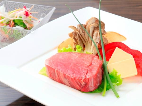 【あしたか牛ステーキ】静岡県のブランド牛。柔らかくジューシーな味わい。