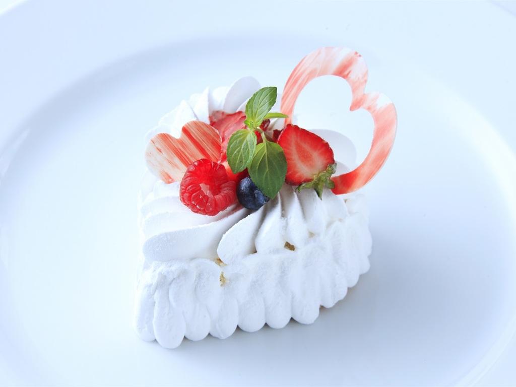 記念日ショートケーキ(ハート・生クリーム)