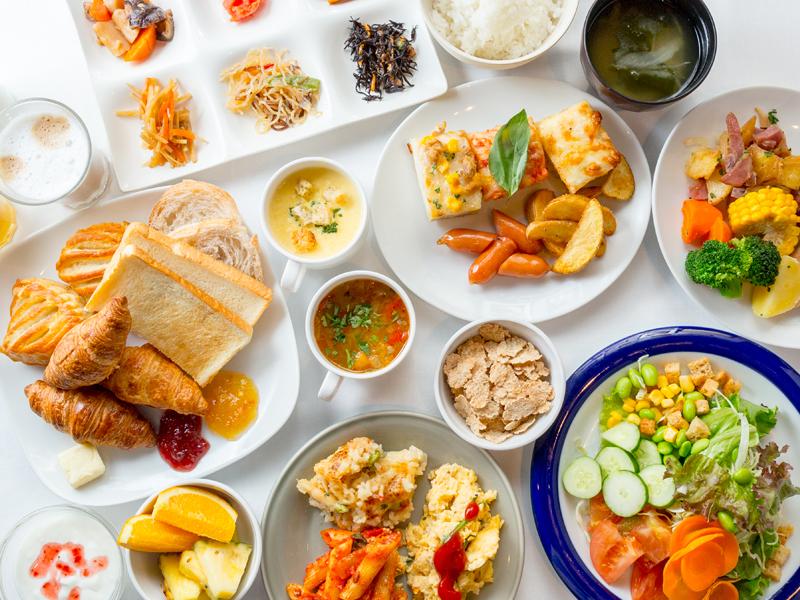 【サルヴァトーレクオモ市場 博多】=朝食バイキング= 盛り付け例