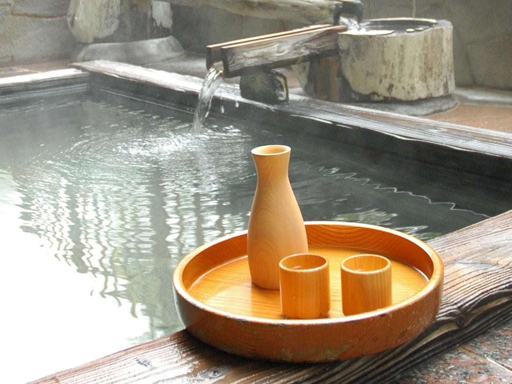 露天風呂につかりながらの一杯をお愉しみください