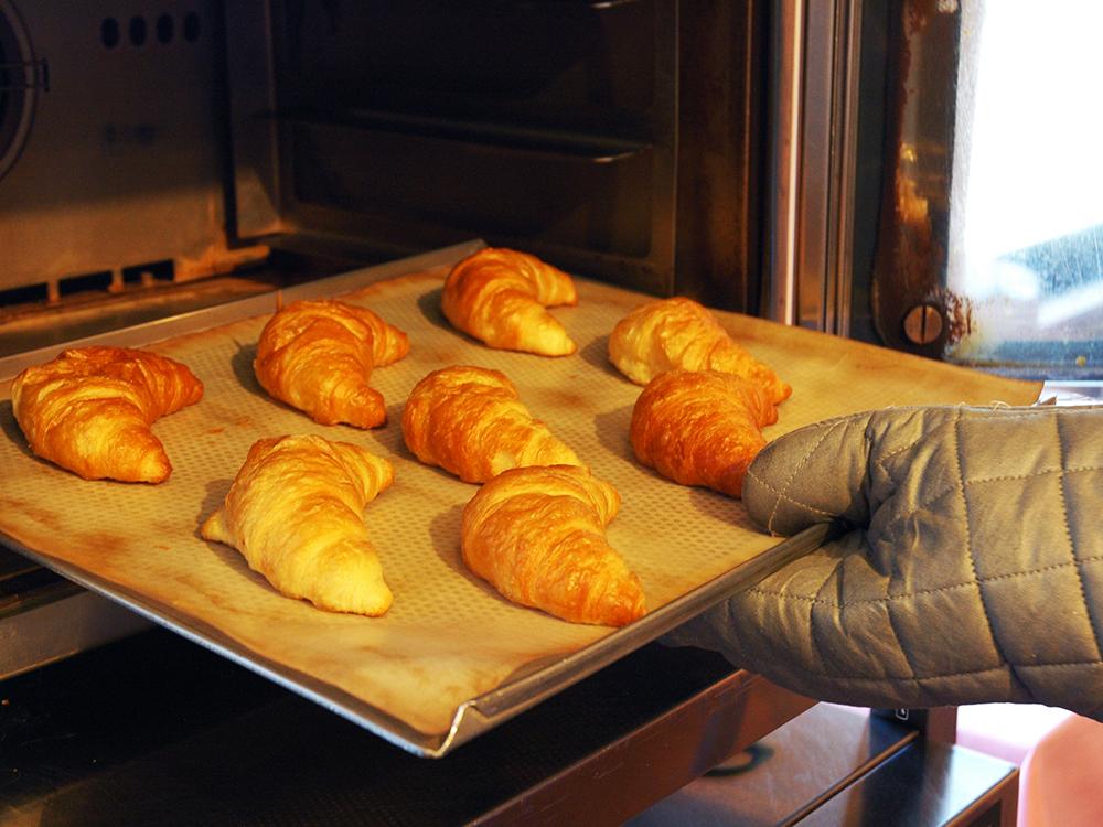 【朝食ビュッフェ】焼きたてのクロワッサンをどうぞ