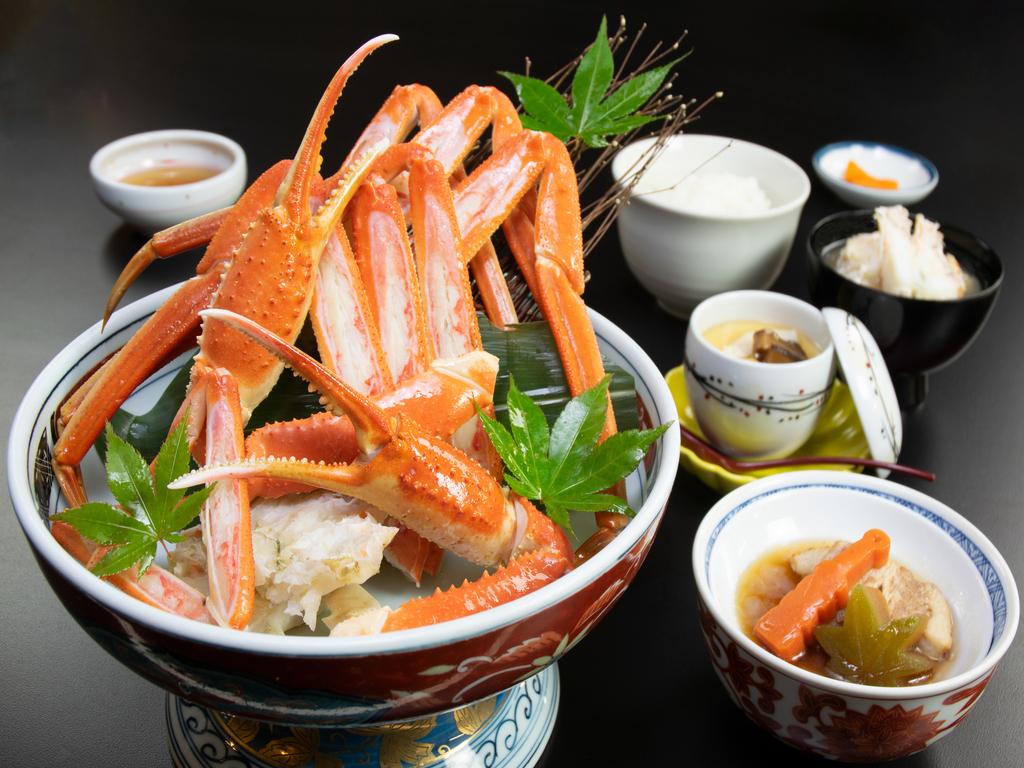ずわい蟹の一杯盛りをお楽しみください