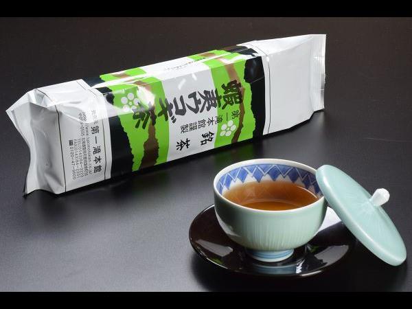 緑茶とブレンドし飲みやすく仕上げた『蝦夷ウコギ茶』と当館オススメのお菓子でお家時間を充実させてみませんか?