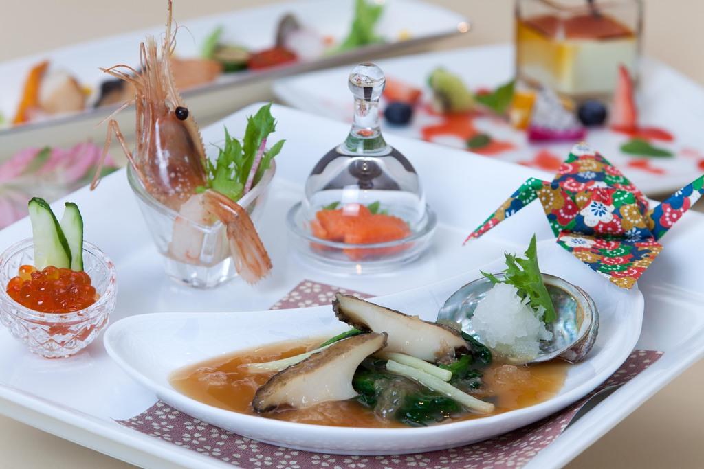 和定朝食膳の一例です。お一人様ずつ違ったメニューをお選び頂けます。