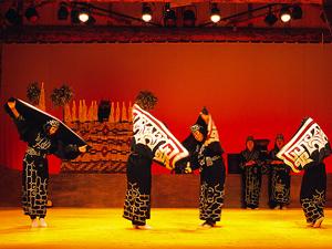【アイヌ古式舞踊】ユネスコ世界無形文化遺産に登録されたアイヌ古式舞踊