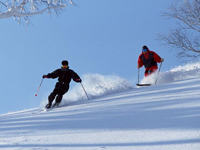 阿寒湖畔スキー場はビギナーから上級者まで楽しめます