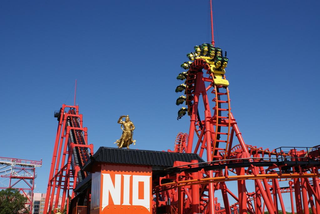 グリーンランドが誇るサスペンディッドルーピングコースター「NIO」!!