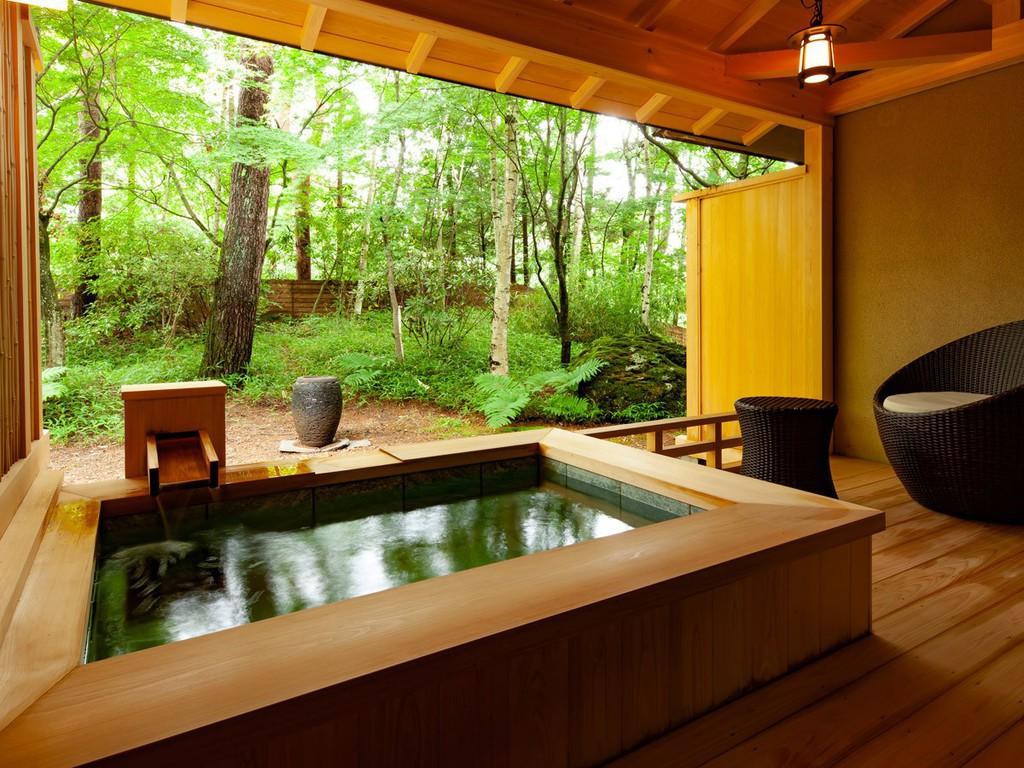 檜に包まれる温泉露天風呂付き和室 卯花月