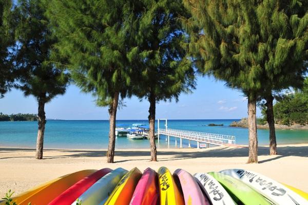 豊富なビーチメニューと施設をご用意しております。かりゆしビーチを心行くまでお楽しみ下さい。
