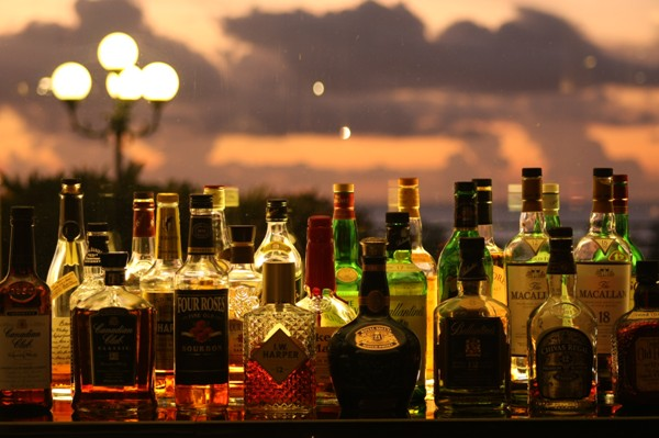 Bar「Taira-タイラ」世界の銘酒とこだわりのカクテルでおくつろぎください。