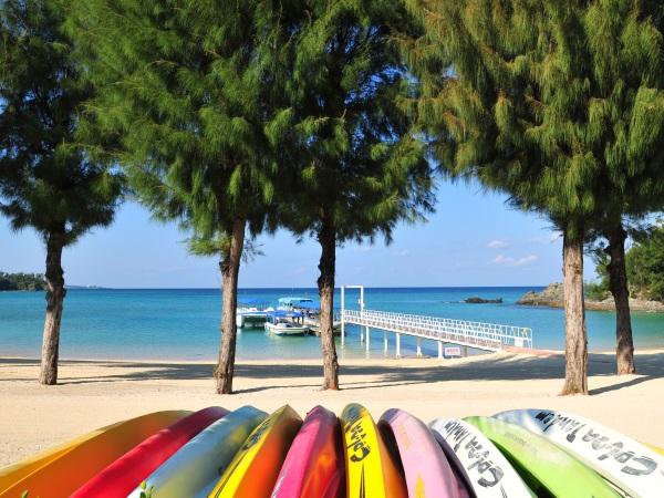 豊富なビーチメニューと施設をご用意しております。