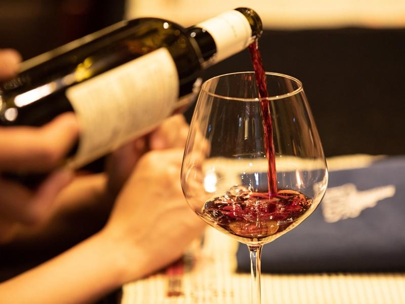 ディナーはペアリングワイン付き